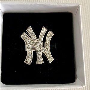 Jewelry - ⚾️NY Yankees Rhinestone Ring ⚾️